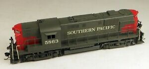 Key Imports #48 Brass RS-11 Powered Diesel Locomotive SP #5863 1/87 Scale.