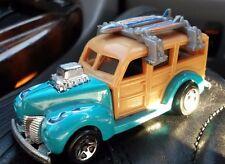 Mattel HOT WHEELS 1979 40's FORD WOODIE W/ Surf Boards  Woody HW Garage 2010
