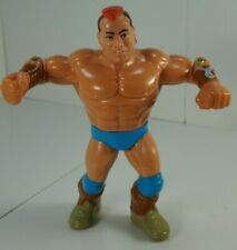 WWF WWE Hasbro TATANKA Wrestling superb action figure Loose Complete!