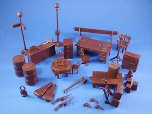 """Marx Toys MXR-UAB """"Untouchables Accessories (30+ pcs - Brown)"""" 54mm Plastic Toys"""
