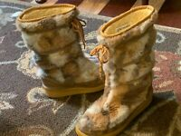 """VINTAGE SNOWLAND FAUX FUR SHERPA SUEDE BROWN TAN 12"""" MID-CALFBOOTS FLATS WOMEN 9"""