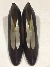 Salvatore Ferragamo Brown Leather Low Heel Shoes Size 9,5 AA