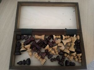VINTAGE WOODEN FELTED CHESS SET WITH FOLDING BOARD STAUNTON VGC COMPACT SIZE