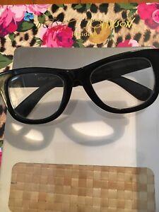 BETSEY JOHNSON'S BEST + 2.00 THICK BLACK Retro READERS +2.00 Reading Glasses