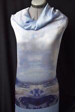 Agnès b.Magnifique panneau satin motif placé photo numérique paysage Bleu blanc