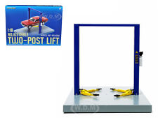 TWO POST LIFT BLUE / YELLOW FOR 1/18 SCALE RAISES & LOWERS BY GREENLIGHT 12915