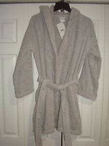 LACOSTE GRAY HOODED BATHROBE