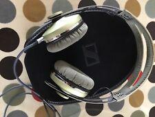 Sennheiser MOMENTUM Headband Headphones - v1.0 Green wired