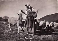 65 - cpsm - Types et costumes Pyrénéens - La bergère