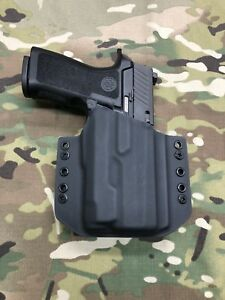Black Kydex Light Bearing Holster for Sig P320 Compact Inforce APLc