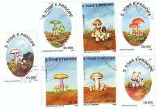 S, TOME' E PRINCIPE - Bustina 10 francobolli serie FUNGHI