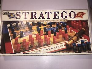 """RETRO BOXED """" STRATEGO """" CLASSIC GAME OF BATTLEFIELD STRATAGY BY PARKER"""