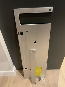 Bang & Olufsen BeoSound 9000 Wall Bracket - Horizontal With Screws/Spacers