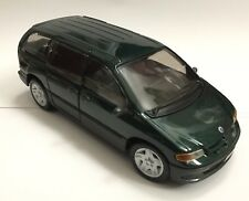 Maisto Plymouth Voyager Dodge Caravan 1/26 Scale Green  NEW