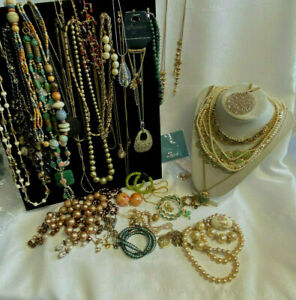 Costume Craft Wholesale Beaded Silver/ Gold Tone 2 lbs 6.8 Oz Jewelry Lot
