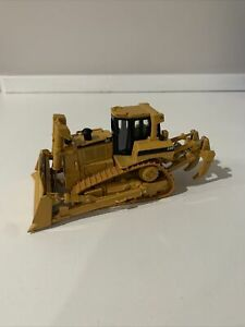 Norscot Caterpillar Cat D8R Bulldozer w/ Ripper 1/50 Scale DieCast