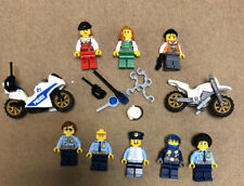 Lego City: 5 Police, 3 Robbers, 2 Motorcycles, Accesories.