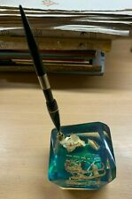 1960s VINTAGE LUCITE GREEN RESIN PAPERWEIGHT SEA LIFE DESK PEN HOLDER (P4)