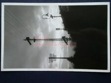 PHOTO  EWELL EAST - DOWN STARTER SIGNAL TELEGRAPH POLE & GAS LAMP