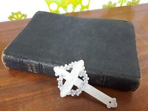 1897 Antique Leather Bound Holy Bible Inc. Nelson's Bible Atlas & Bookmark (21)