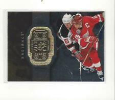 1998-99 SPx Finite Radiance #30 Steve Yzerman Red Wings /4750