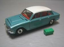 Dinky Toys 135 Triumph 2000 + Luggage made in England Near Mint Plus Condition
