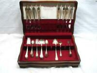 Rogers Remembrance 59 pc Silver Plate Flatware Set w/Box Heavy Weight C