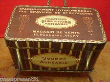 Jolie ancienne boîte en tôle, Agréable, Vichy, graviers de Saint Sylvestre