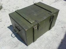 """Boîte SERVICES SANITAIRES """" AMW """" Coffre de rangement militärkiste Munitions"""