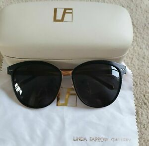 LINDA FARROW  D FRAME OVERSIZED SUNGLASSES WITH CASE AND DUST CLOTH DESIGNER