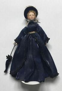 Dolls House Lady In Navy - 16 cm