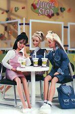 """ A Juice Stop "" - Fashion Collectible Photo Card Mattel - Barbie Doll Postcard"