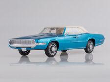 Scale model 1:18 Ford Thunderbird Landau, metallic-blue/white, 1968