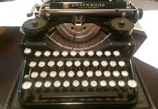 Vintage UNDERWOOD Standard Portable FOUR BANK KEYBOARD Typewriter & Case