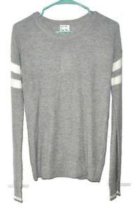 Hippie Rose Size S Gray Lightweight Soft Stretchy Pullover Crewneck Sweater