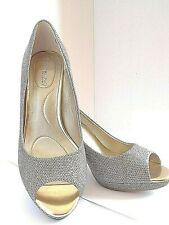 BANDOLINO Womens SuperModel GOLD Dress Pump High Heel Shoes Size 7M Holiday