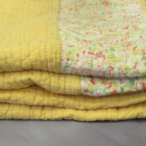 """Vintage Quilted Bedspread 76x60"""" Yellow Floral Pattern Rectangular Blanket"""