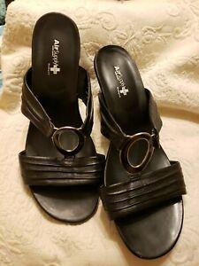 Air Supply Sandal - Womens 11  Wide W - Black Slide Shoe. #777299