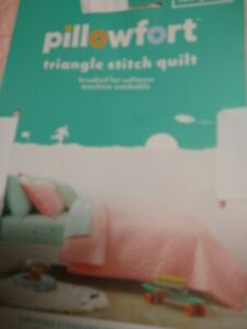 Pillowfort Triangle Stitch Quilt, Full / Queen, Pink Coral Brand New 88 x 88