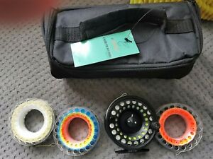 Fly reel with 4 fly lines