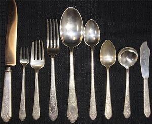 Lunt Sterling Silver Treasure Flatware Mary II Set 3208 Grams 119 pieces