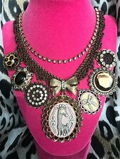 Betsey Johnson Vintage Zoo Lovers Giraffe Cameo Brown Crochet Leopard Necklace