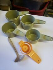 VINTAGE 4 TUPPERWARE Avacado Green Olive measuring cups lot w/ ladle & other (D3