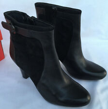 Clarks Women's Society Round Ankle Boots 9.5 M Black Suede 66452 new