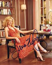Jenna Elfman Signed Autographed 8x10 Photograph