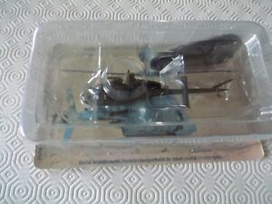 Amercom US Bell OH-58D Kiowa Warrior Helicopter sealed in 1/72
