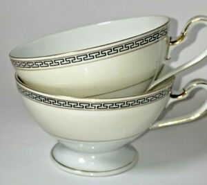 VTG Eschenbach Lohengrin Bavaria Porcelain Coffee Cups White with Gold. Lot Of 2