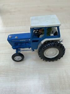 Britains Farm Toy Model Ford 6600 Tractor #9524