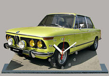 VOITURE , BMW 2002 tii jaune-05  en HORLOGE MINIATURE