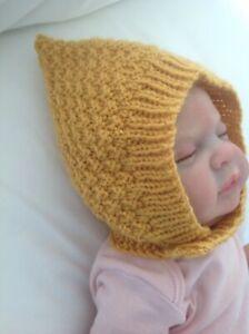 Hand gestrickte Baby Babies Vintage Style Pixie Hut Mütze 3-9 Monate in Senf.